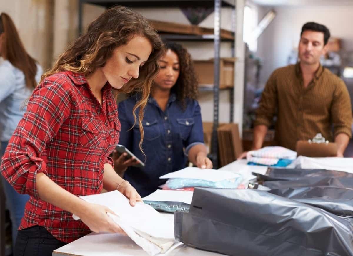 Fornecedores de roupas para lojas no atacado