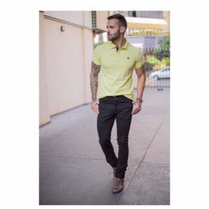 Look masculino de polo e jeans
