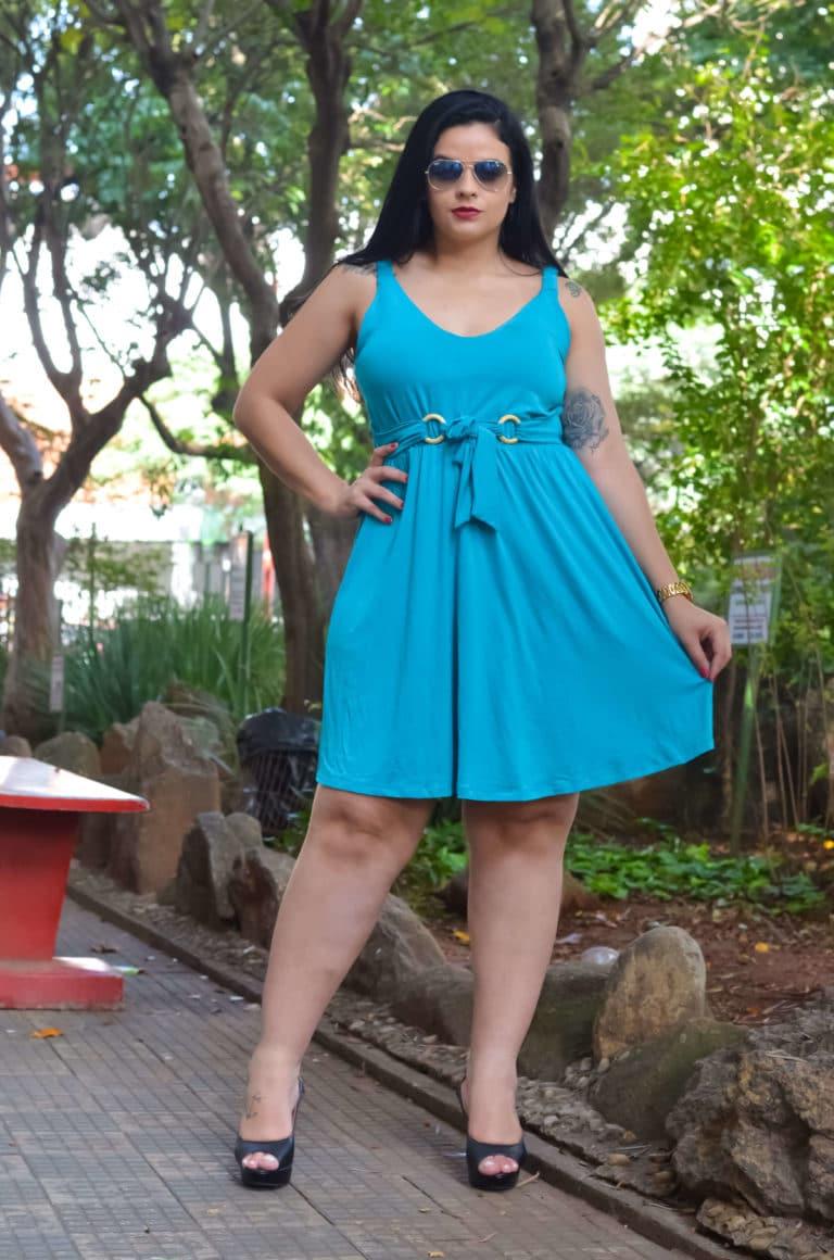 Vestido azul plus size